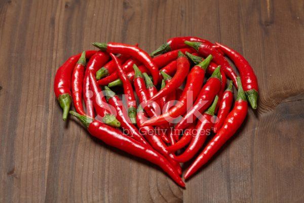 57003202 chili pepper heart