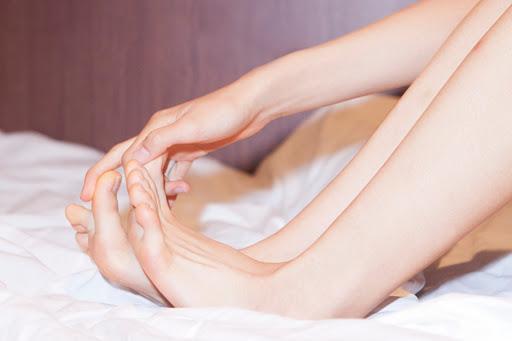 Как выглядят ковидные пальцы? Появились новые симптомы коронавируса